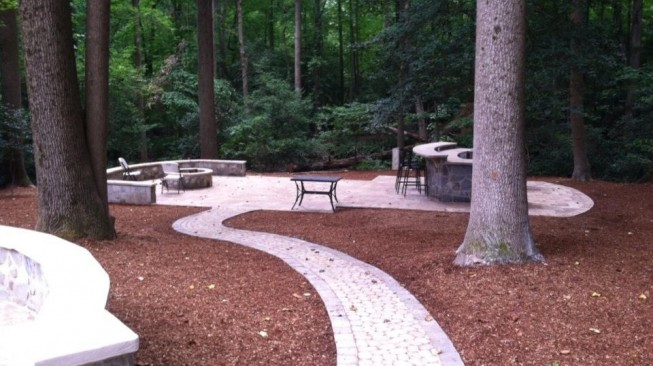 Brick walkway and patio in Loudoun